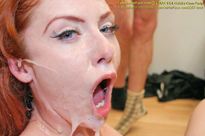 Feminized sissy cuckold performs deep throat
